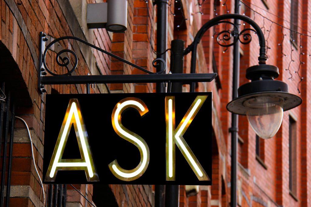 10 въпроса, които да зададеш на клиент на първа среща